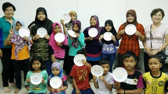 soroptimist-bangsar-malaysia-women-sewing-class-children-suria-bangsar-south-2016-march-102