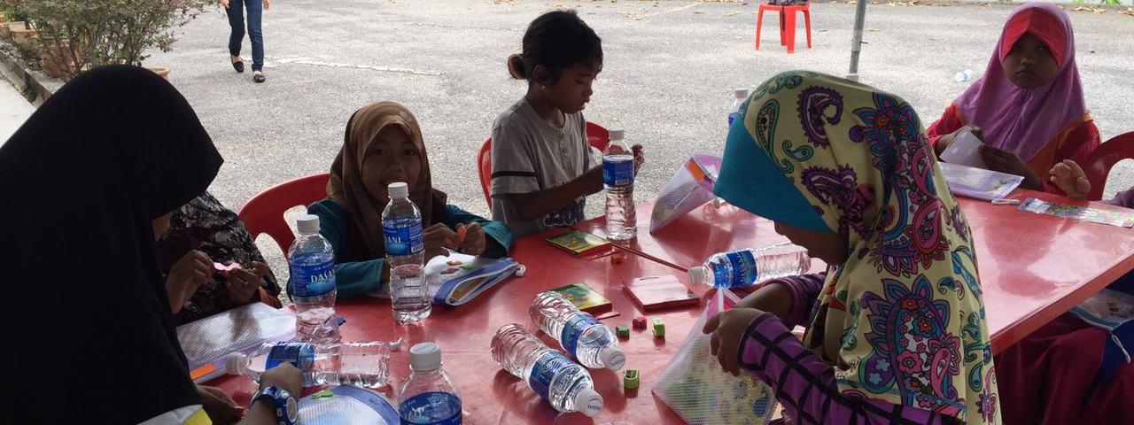 soroptimist-bangsar-malaysia-women-2016-Safety-Kits-Distribution-to-Indigenous-Children-6x